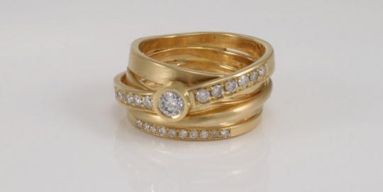 Bandenring-met-diamanten