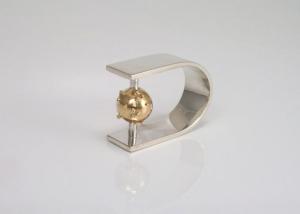 Ring-met-gegranuleerde-gouden-bal