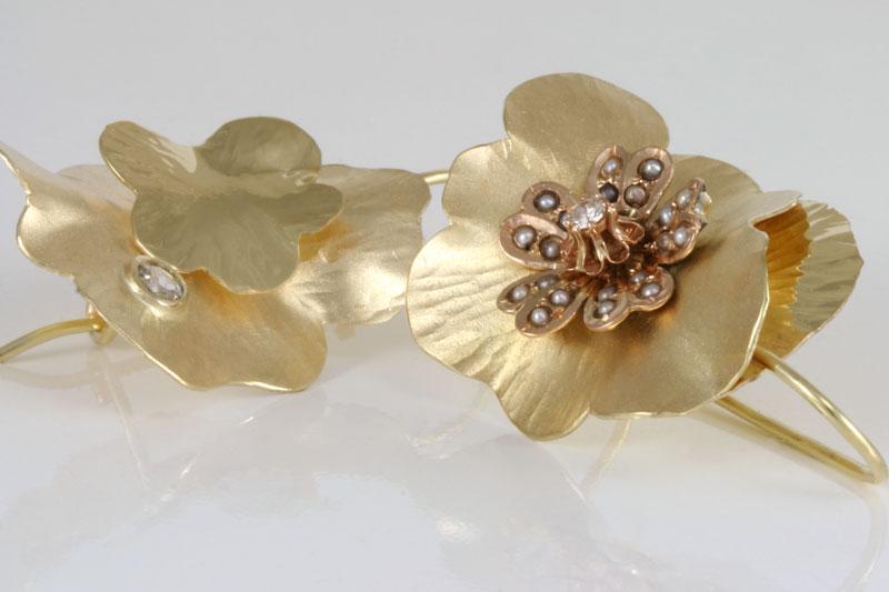 gouden-oorhangers-met-parels-en-diamanten