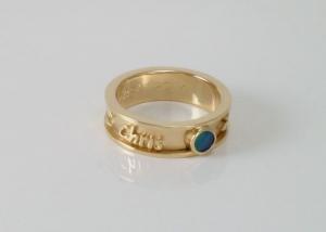 geelgouden-ring-met-opaal