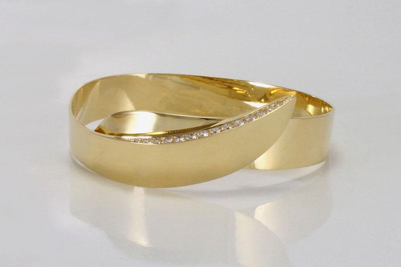Gouden spangarmband met diamanten